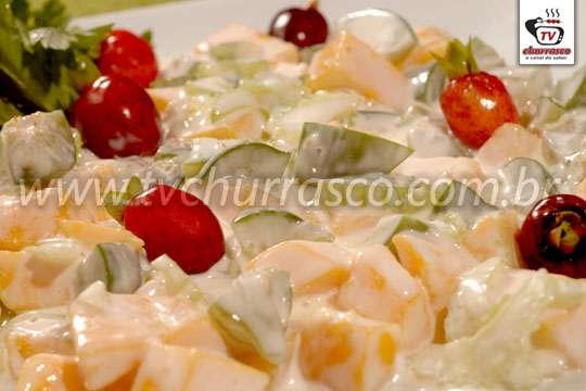 Salada de Manga com Salsão
