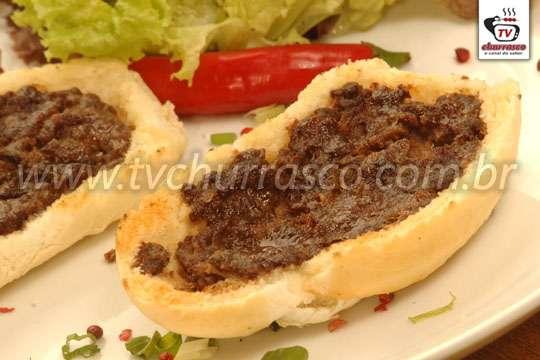 Sanduíche de Carne Moída