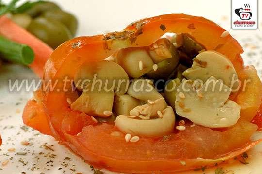 Tomate Recheado com Champignon e Azeitona
