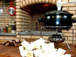 Como Fazer Fondue de Queijo com Churrasco