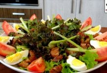 Como Fazer Salada Mista com Torresmo