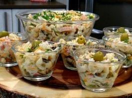Como Fazer Salada de Macarronese com Azeitonas